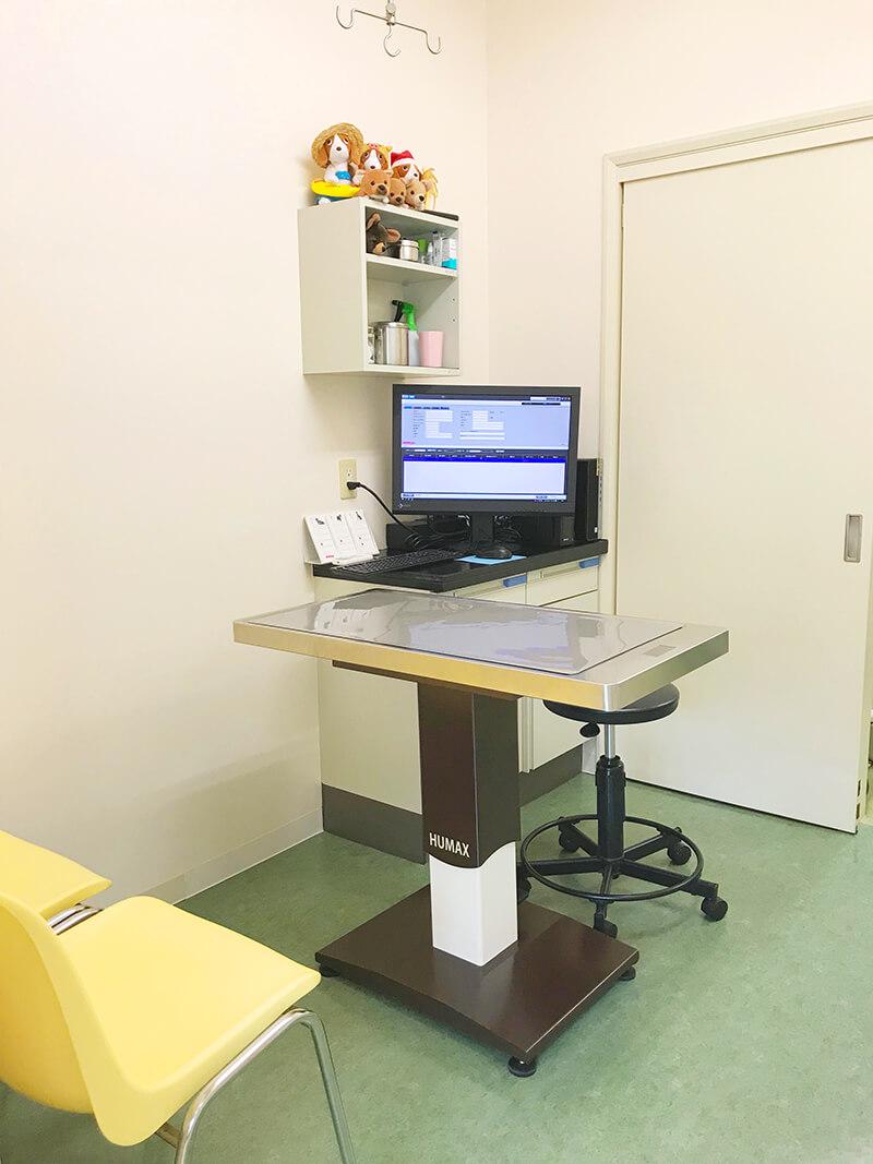 メープル動物病院の診察室1